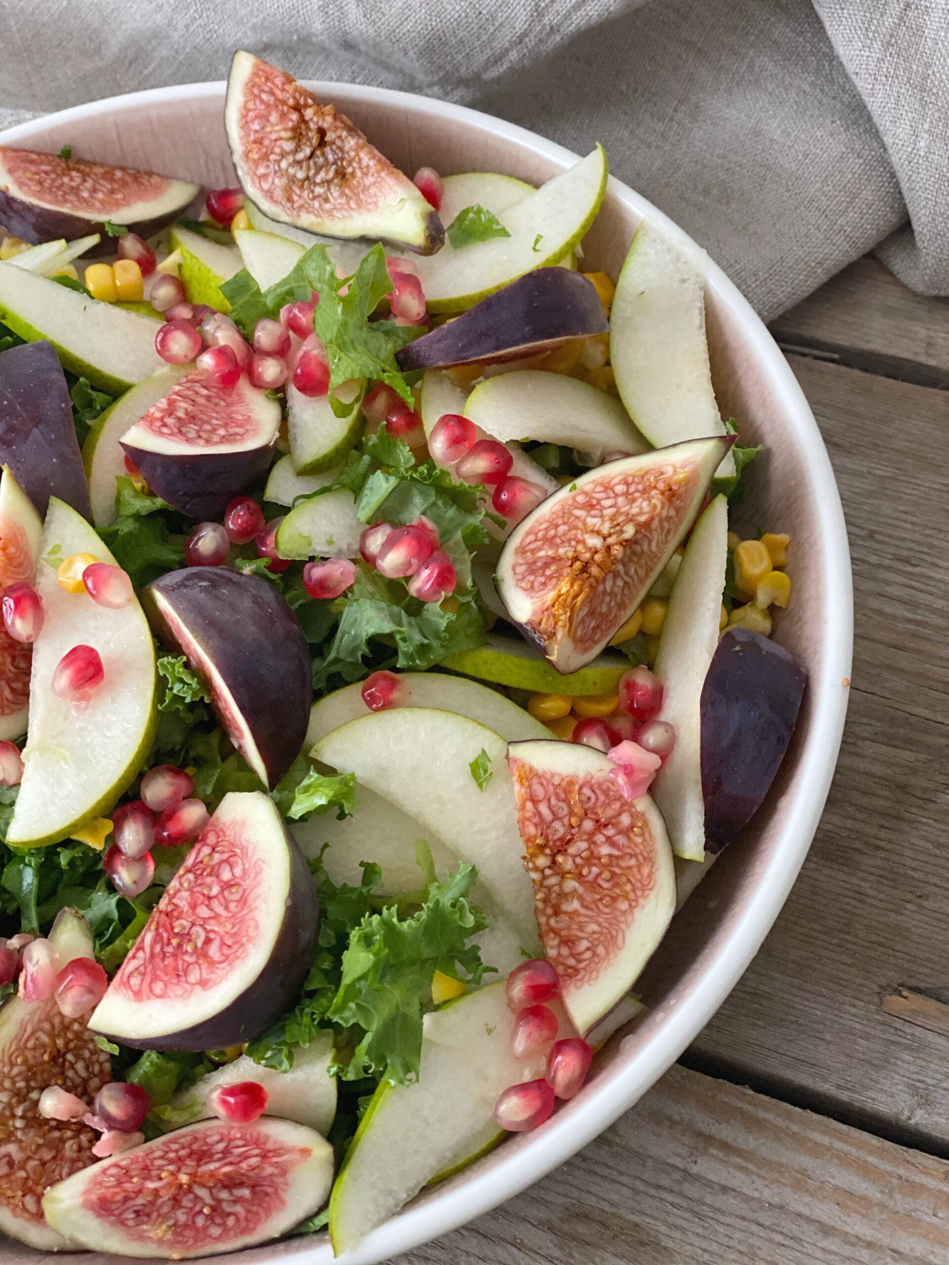 Crispy salat med pære og figner