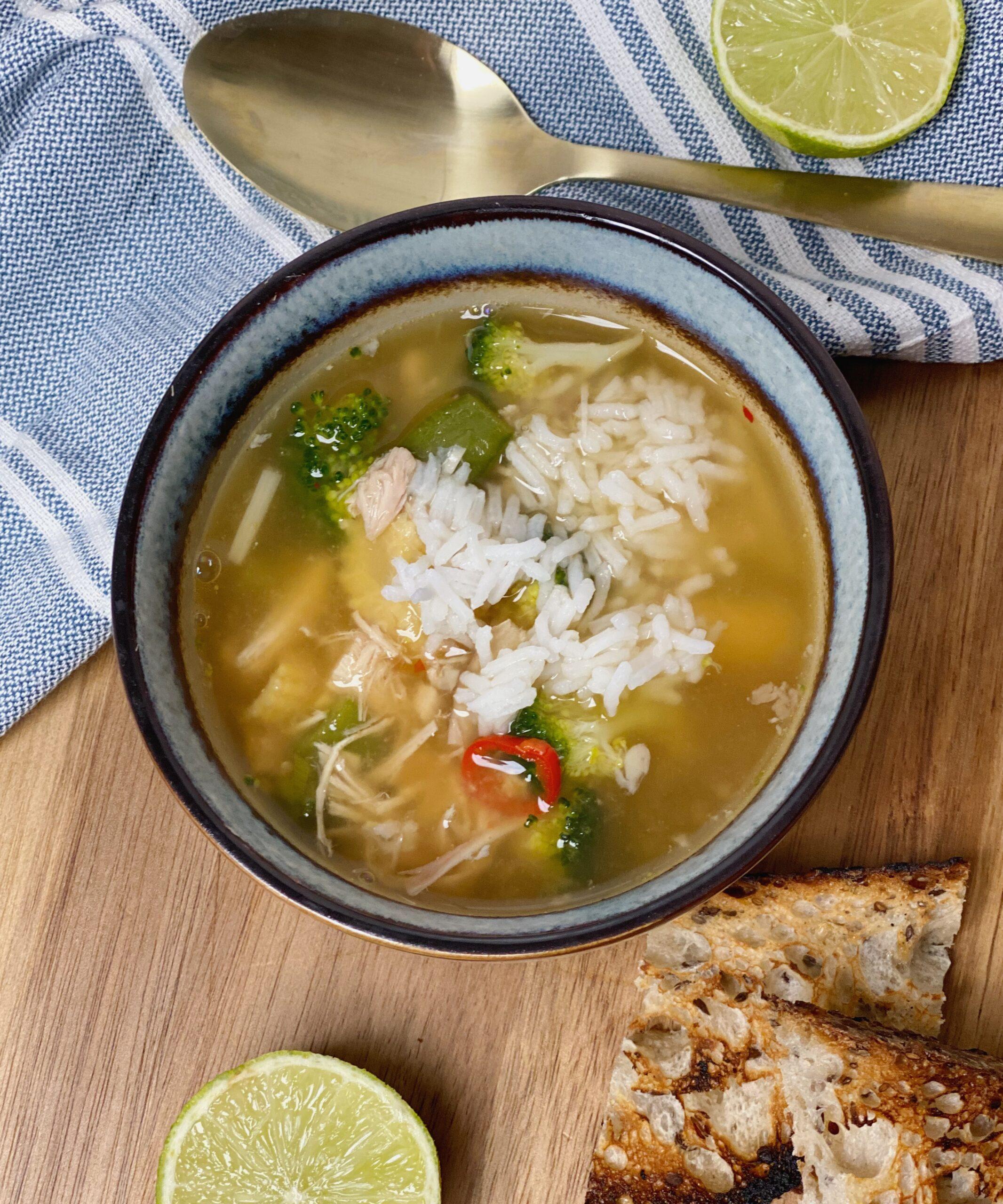 Kyllingesuppe med ris